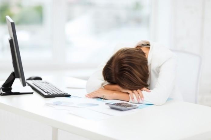 сон на работе, спал на работе