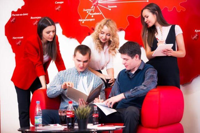 Все больше HR-процессов в Coca-Cola HBC Россия выполняют роботы