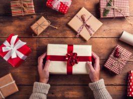 Что подарить сотрудникам на новый год? Идеи российских компаний.