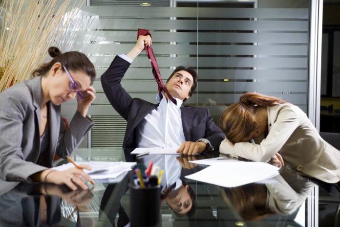 оптимизация количества сотрудников, сокращение персонала